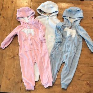 3 carter's zip up fleece footless pajamas